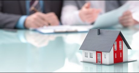 Should I get a mortgage from a broker or a bank?
